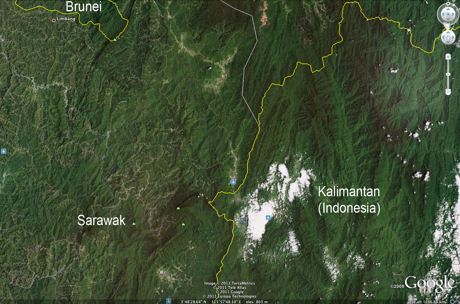 Google earth reveals stark contrast between sarawaks damaged logging roads and damaged forest in sarawak compared with the healthy forest of kalimantan indonesian gumiabroncs Choice Image