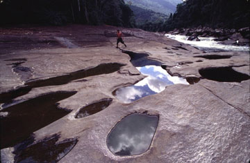 Foot of the Sierra de Maigualida.
