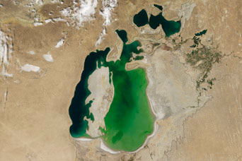 Shrinking Aral Sea:August 19, 2000