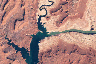 Water Level in Lake Powell:March 25, 1999