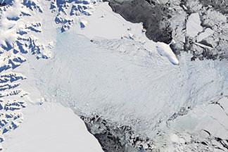 Larsen-B Ice Shelf:April 13, 2002