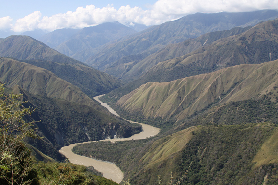 Dry forest and canyons along the Cauca River. The forests in these photos will soon be submerged by the Pescadero-Ituango dam. Photo by: Carlos Esteban Lara.