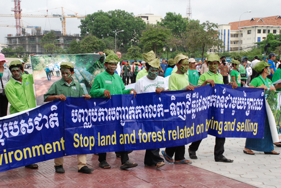 Marching for Prey Lang forest. Photo courtesy of: Prey Lang Network.